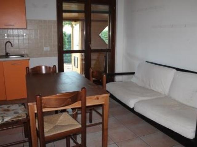 Porzione di villa su un piano con giardino Sambucheto di Recanti